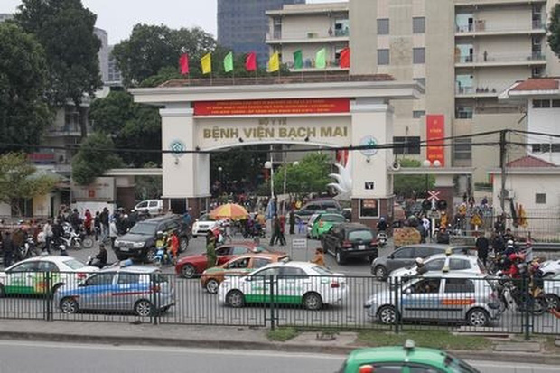 Truy xuất thông tin toàn bộ tài xế có cuốc chở khách đi, đến Bệnh viện Bạch Mai - Ảnh 1.
