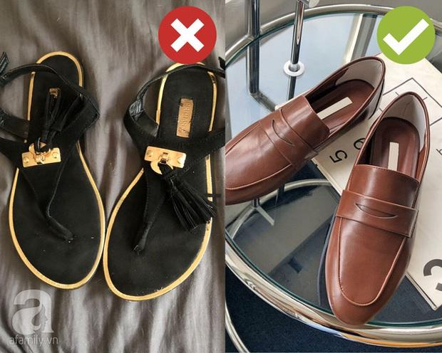 Dọn dẹp tủ đồ, chị em tiện tay tiễn luôn 4 kiểu giày dép hết thời sau kẻo diện lên thế nào cũng làm xấu cả tổng thể - Ảnh 3.