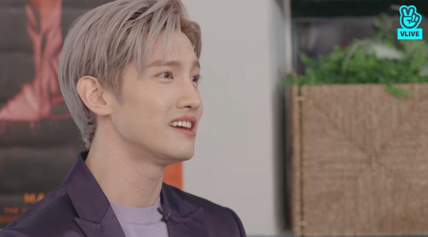 Changmin (DBSK) há hốc khi Siwon (Super Junior) bất ngờ xuất hiện để... xin chữ ký, tiết lộ sự động viên âm thầm của anh cả Yunho khi debut solo - Ảnh 8.
