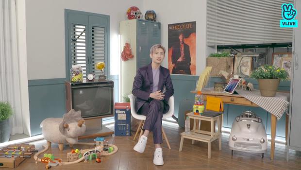 Changmin (DBSK) há hốc khi Siwon (Super Junior) bất ngờ xuất hiện để... xin chữ ký, tiết lộ sự động viên âm thầm của anh cả Yunho khi debut solo - Ảnh 7.
