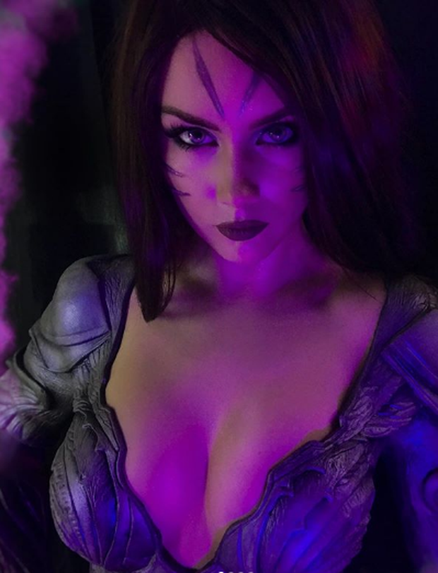 Cosplayer người Nga hóa thân thành Cảnh sát trưởng Piltover Caitlyn siêu nóng bỏng! - Ảnh 6.