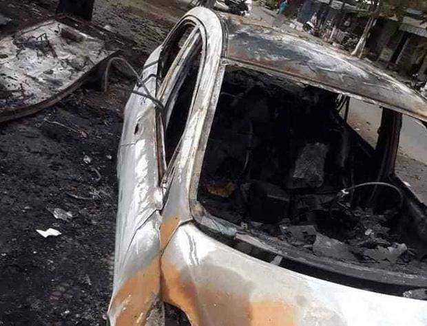Nghi đốt vàng mã gây cháy ô tô và hư hỏng 2 xe máy điện ở Đà Nẵng - Ảnh 3.