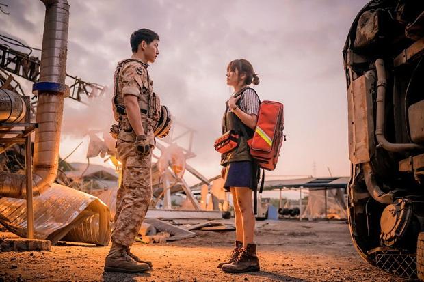 """7 """"chị đại"""" ngành y ngầu nhất phim Hàn: Park Shin Hye tay không quật côn đồ cũng chưa át vía được nữ chính Hospital Playlist - Ảnh 13."""