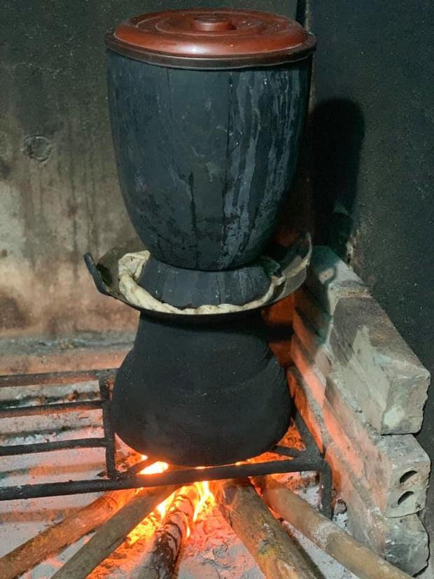 Một dụng cụ làm bếp ở Việt Nam khiến dân tình xôn xao vì trông quá lạ mắt, khi biết công dụng thì ai nấy đều bất ngờ - Ảnh 4.