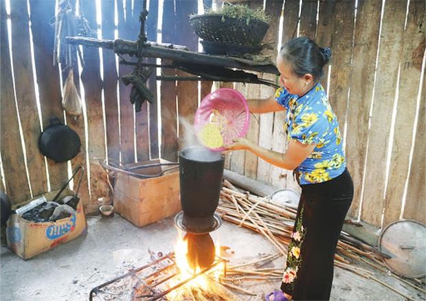 Một dụng cụ làm bếp ở Việt Nam khiến dân tình xôn xao vì trông quá lạ mắt, khi biết công dụng thì ai nấy đều bất ngờ - Ảnh 3.