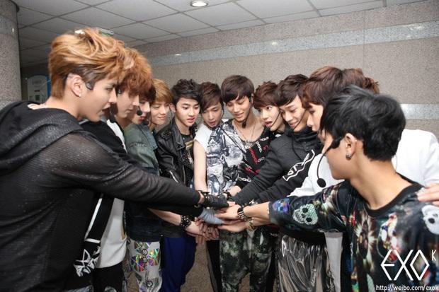 8 năm của nhóm nhạc huyền bí EXO: Từ tân binh sở hữu nhiều antifan nhất, sóng gió trải dài sự nghiệp hoạt động cho đến ngôi vương Kpop thế hệ 3 - Ảnh 4.