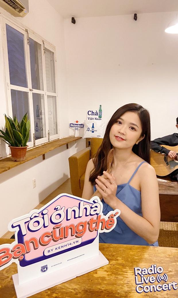 Suni Hạ Linh hát loạt hit tiện cover Sao Anh Chưa Về Nhà phiên bản đẩy lùi Corona, cân luôn Mascara của Chillies khoe giọng live cao vút - Ảnh 10.