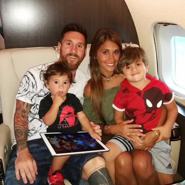 Ghé thăm chuyên cơ sang trọng 15 triệu USD của Messi: Một chi tiết trên chiếc máy bay là độc nhất vô nhị - Ảnh 5.