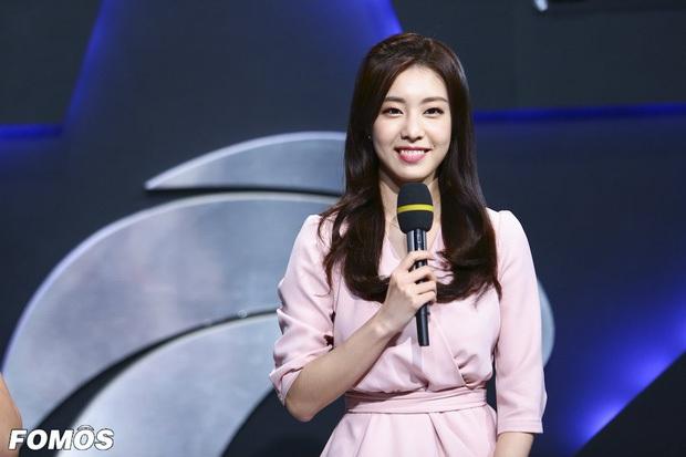 Nữ MC đài SBS cướp đi trái tim đại nam thần So Ji Sub: Profile quá khủng, lọt top mỹ nhân vì nhan sắc, body siêu hot - Ảnh 4.