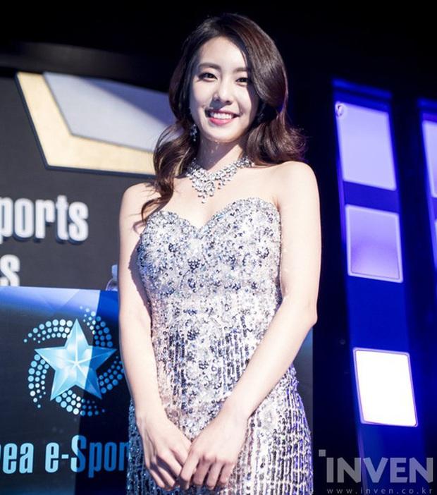 Nữ MC đài SBS cướp đi trái tim đại nam thần So Ji Sub: Profile quá khủng, lọt top mỹ nhân vì nhan sắc, body siêu hot - Ảnh 7.