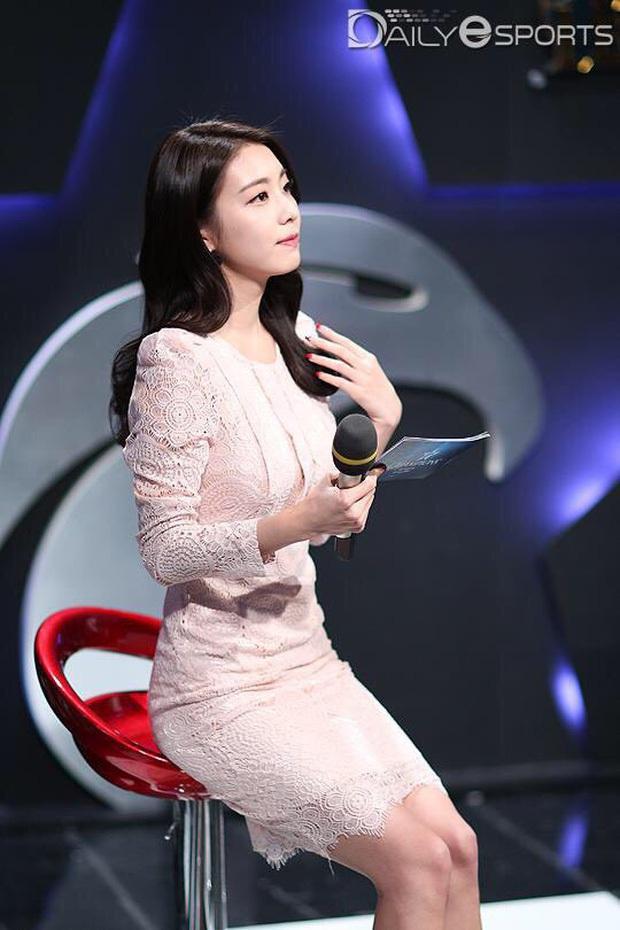 Nữ MC đài SBS cướp đi trái tim đại nam thần So Ji Sub: Profile quá khủng, lọt top mỹ nhân vì nhan sắc, body siêu hot - Ảnh 12.