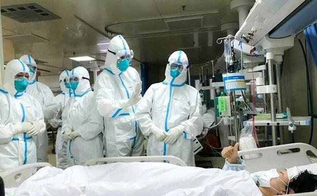 Người đàn ông ở Mê Linh từng đến BV Bạch Mai: Ủ bệnh 23 ngày hay chỉ là người khỏe mang trùng bệnh? - Ảnh 1.