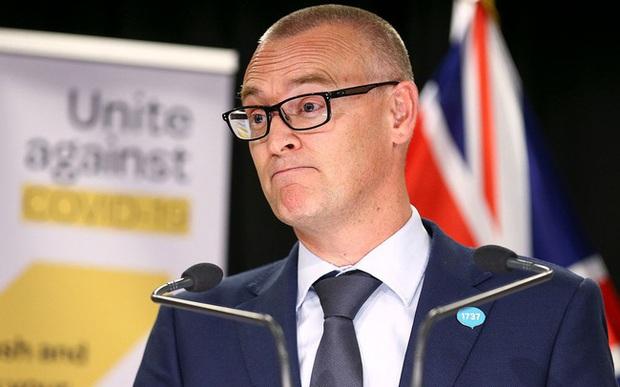 Bộ trưởng Y tế New Zealand bị cách chức vì đưa gia đình ra biển bất chấp lệnh phong tỏa vì Covid-19  - Ảnh 1.