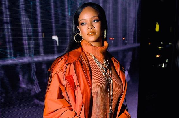 Rihanna tiếp tục gây tranh cãi: Xúc phạm người hâm mộ ngay trên livestream bằng ngôn từ tục tĩu khi được hỏi về album mới? - Ảnh 4.