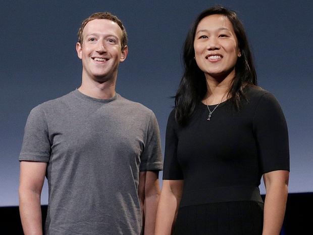 Mark Zuckerberg từng match hẹn hò online với... bạn của vợ để nghiên cứu vì mục đích công việc - Ảnh 2.