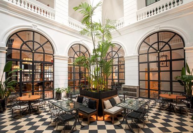 Cận cảnh khách sạn cực sang trọng tại Paraguay, nơi anh em Ronaldinho là những vị khách duy nhất, được ở tại phòng đắt tiền nhất - Ảnh 3.