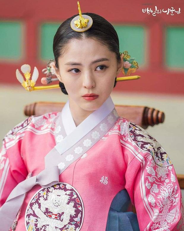 Tiểu tam Thế giới hôn nhân Han So Hee: Tiểu Song Hye Kyo có quá khứ gây sốc, lâu lắm màn ảnh Hàn mới có mỹ nhân thế này - Ảnh 25.
