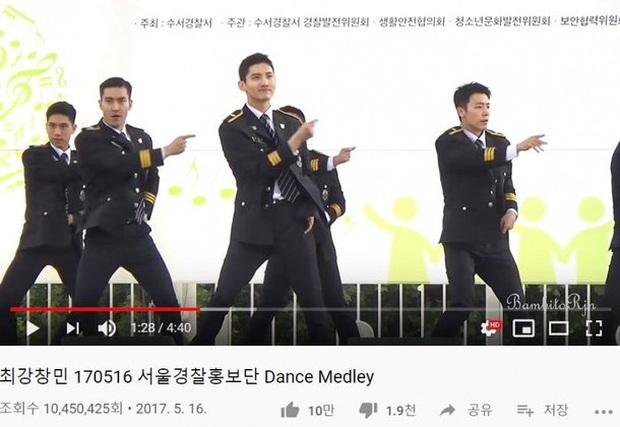 Fancam nhảy trong bộ đồng phục cảnh sát của nam idol vừa debut solo đạt 10 triệu view, đẹp trai tới nỗi biến trai đẹp Siwon (SUJU) thành... ông chú - Ảnh 2.