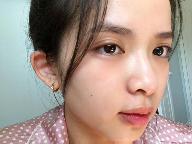Ngưng dùng kem nền hơn 1 tháng, dùng kem chống nắng thay cho makeup: Cô nàng này thấy da mềm mượt bất ngờ, mụn ẩn giảm rõ rệt - Ảnh 2.