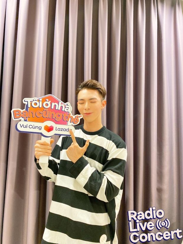 Erik bất ngờ nhá hàng ca khúc mới toanh tại Radio Live Concert, thực hiện vũ điệu rửa tay với độ khó tăng gấp 2 lần! - Ảnh 2.