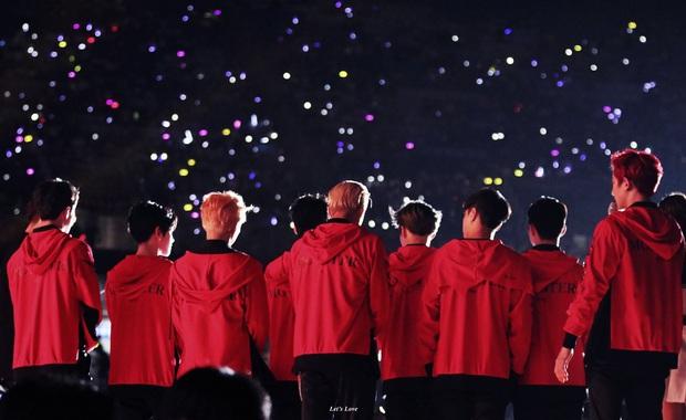 8 năm của nhóm nhạc huyền bí EXO: Từ tân binh sở hữu nhiều antifan nhất, sóng gió trải dài sự nghiệp hoạt động cho đến ngôi vương Kpop thế hệ 3 - Ảnh 12.