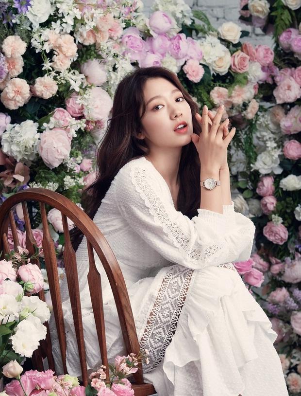 Lâu lắm rồi nàng thơ của Lee Min Ho Park Shin Hye mới gây bão MXH thế này: Tươi trẻ mơn mởn, ai ngờ đã 30 tuổi? - Ảnh 2.