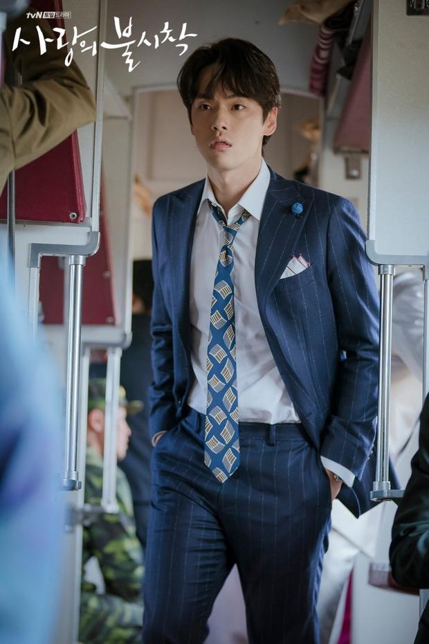 Chết thảm ở Crash Landing on You, thánh lừa đảo Kim Jung Hyun tái xuất ở Thái Tử Phi Thăng Chức Ký bản Hàn? - Ảnh 1.