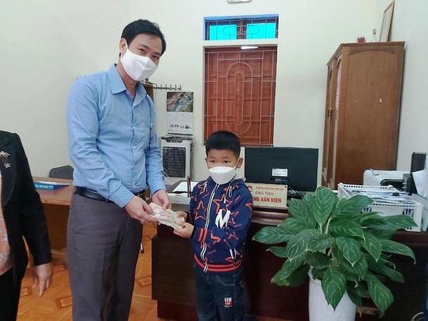 Học sinh lớp 2 đập lợn lấy tiền ủng hộ phòng chống COVID-19 - Ảnh 3.