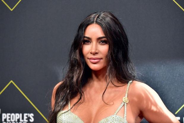 """Vén màn công thức bí mật giúp Kim Kardashian từ người hầu theo sau Paris Hilton trở thành nữ hoàng tạo nên """"đế chế tỷ đô"""" - Ảnh 11."""