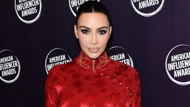 """Vén màn công thức bí mật giúp Kim Kardashian từ người hầu theo sau Paris Hilton trở thành nữ hoàng tạo nên """"đế chế tỷ đô"""" - Ảnh 14."""