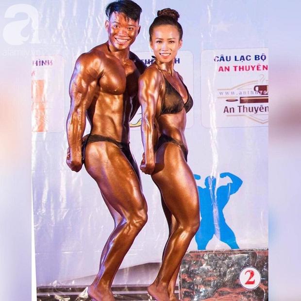 Chuyện tình thu hút 26 ngàn like của cặp vận động viên thể hình, ấn tượng nhất là loạt ảnh body biến hóa không thể tin nổi của cô vợ xinh đẹp - Ảnh 5.
