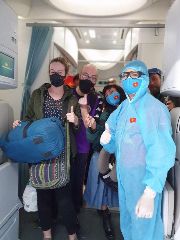 Hai chuyến bay đặc biệt từ Việt Nam đưa công dân châu Âu hồi hương  - Ảnh 7.