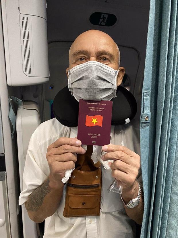 Hai chuyến bay đặc biệt từ Việt Nam đưa công dân châu Âu hồi hương  - Ảnh 8.