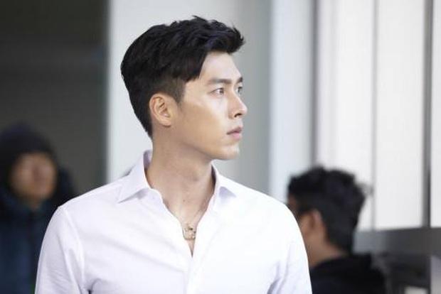 Nhớ đại úy Jung Hyuk, ngắm ngay loạt ảnh hậu trường đẹp như mơ của Hyun Bin từ thuở còn phèn cho thỏa mãn - Ảnh 17.