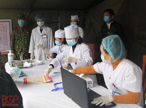 Bắc Giang yêu cầu người dân không được đi Hà Nội, TP Hồ Chí Minh nhằm kiểm soát dịch bệnh COVID-19 - Ảnh 1.