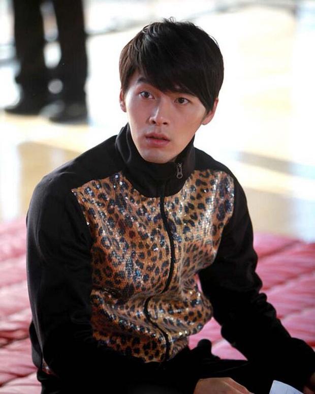 Nhớ đại úy Jung Hyuk, ngắm ngay loạt ảnh hậu trường đẹp như mơ của Hyun Bin từ thuở còn phèn cho thỏa mãn - Ảnh 3.