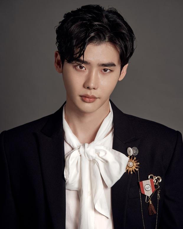 20 tài tử Hàn đẹp trai nhất mọi thời đại: Cả dàn đại nam thần Hyun Bin, Song Joong Ki bị vượt mặt, No.1 gây bất ngờ lớn - Ảnh 22.