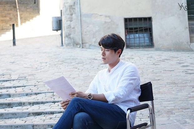Nhớ đại úy Jung Hyuk, ngắm ngay loạt ảnh hậu trường đẹp như mơ của Hyun Bin từ thuở còn phèn cho thỏa mãn - Ảnh 25.