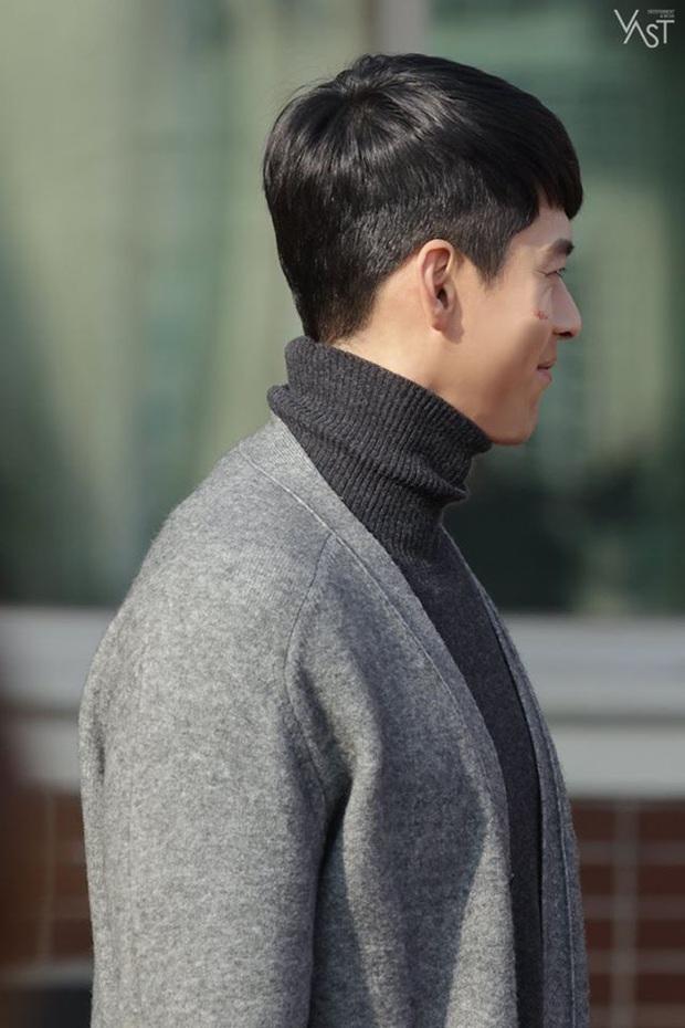 Nhớ đại úy Jung Hyuk, ngắm ngay loạt ảnh hậu trường đẹp như mơ của Hyun Bin từ thuở còn phèn cho thỏa mãn - Ảnh 31.