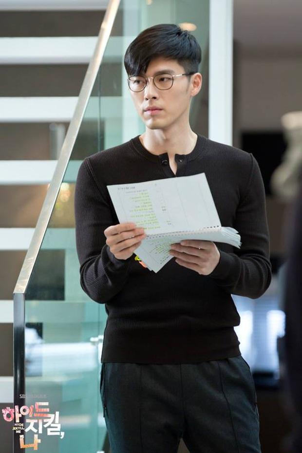 Nhớ đại úy Jung Hyuk, ngắm ngay loạt ảnh hậu trường đẹp như mơ của Hyun Bin từ thuở còn phèn cho thỏa mãn - Ảnh 15.