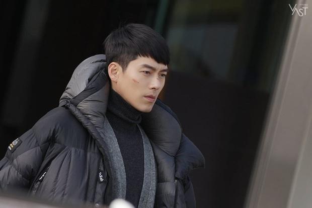 Nhớ đại úy Jung Hyuk, ngắm ngay loạt ảnh hậu trường đẹp như mơ của Hyun Bin từ thuở còn phèn cho thỏa mãn - Ảnh 30.