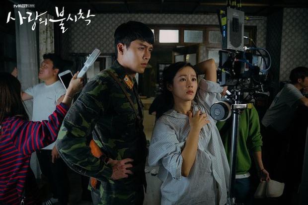 Nhớ đại úy Jung Hyuk, ngắm ngay loạt ảnh hậu trường đẹp như mơ của Hyun Bin từ thuở còn phèn cho thỏa mãn - Ảnh 32.