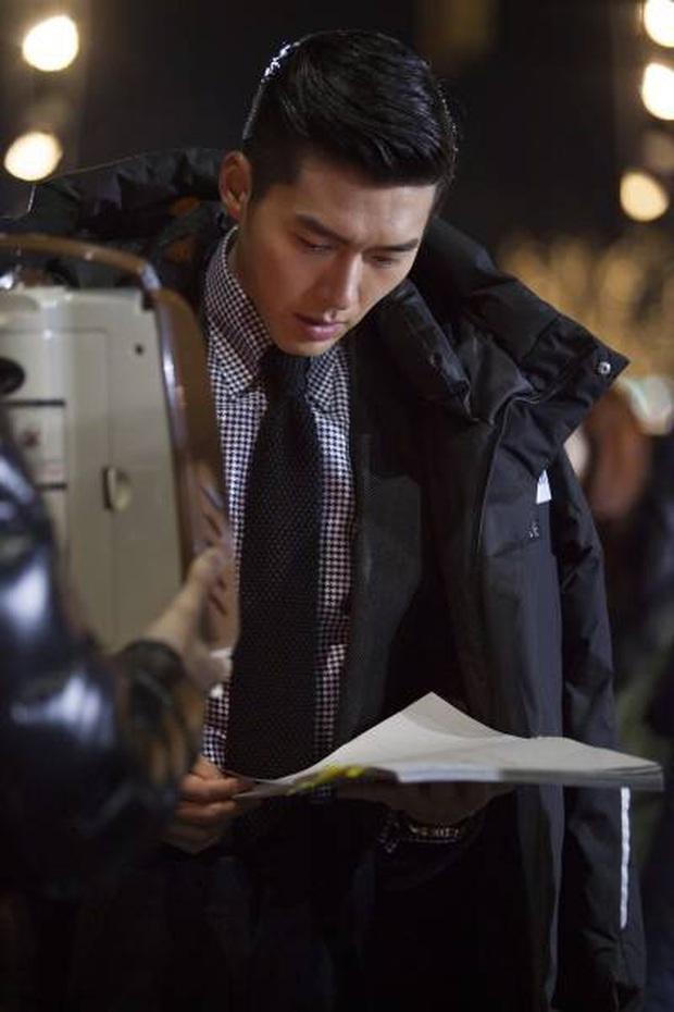 Nhớ đại úy Jung Hyuk, ngắm ngay loạt ảnh hậu trường đẹp như mơ của Hyun Bin từ thuở còn phèn cho thỏa mãn - Ảnh 14.