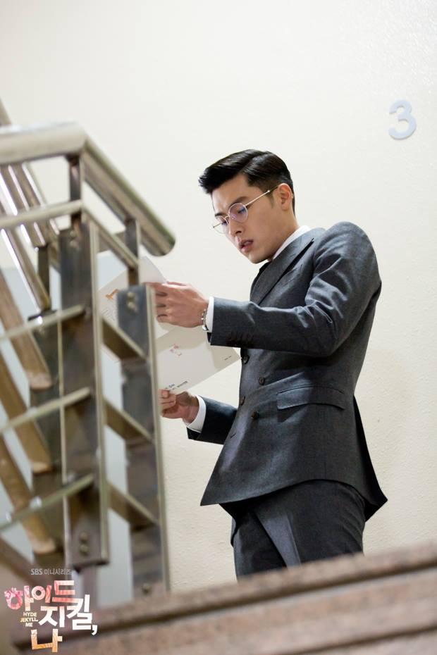 Nhớ đại úy Jung Hyuk, ngắm ngay loạt ảnh hậu trường đẹp như mơ của Hyun Bin từ thuở còn phèn cho thỏa mãn - Ảnh 11.
