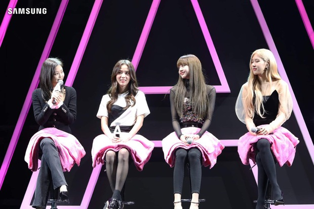 """Tưởng Jennie cẩn thận sợ lộ hàng số 1, ai ngờ Irene còn """"bá đạo"""" hơn khi quấn khăn như... váy chống nắng - Ảnh 7."""