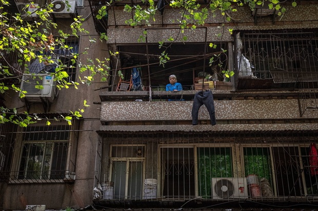 Hàng triệu người bám trụ ở Vũ Hán: Thành phố vừa tỉnh dậy sau cơn hôn mê 76 ngày vì đại dịch Covid-19 nhưng đã hằn sâu nhiều vết sẹo đau đớn - Ảnh 3.
