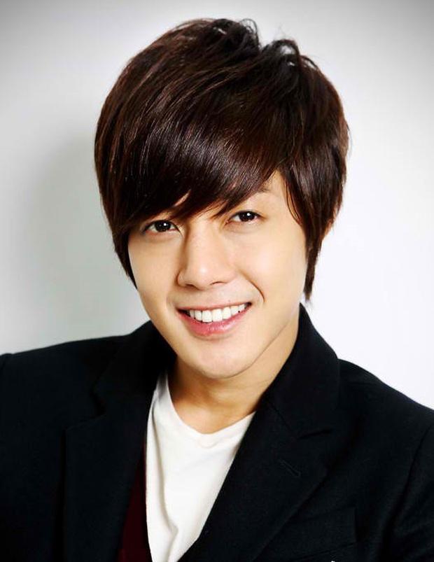 20 tài tử Hàn đẹp trai nhất mọi thời đại: Cả dàn đại nam thần Hyun Bin, Song Joong Ki bị vượt mặt, No.1 gây bất ngờ lớn - Ảnh 3.