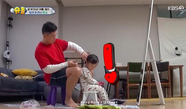 Kang Gary lôi quý tử ra cắt tóc và kết quả... cả 2 dắt nhau đến tiệm khắc phục hậu quả! - Ảnh 2.