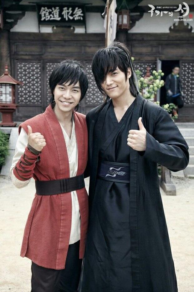 Phũ đẹp mùa hai Vagabond, Lee Seung Gi xem xét tái hợp với tình cũ ở Gu Family Book trong phim mới? - Ảnh 2.