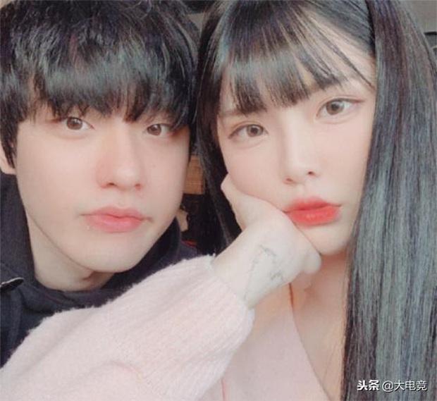 Faker vẫn ôm mối tình với nàng MC Cho Eun Jung nên đến nay vẫn hình không chiếc bóng, vậy mà đồng đội và đối thủ đều có đôi có cặp, có người sinh cả con - Ảnh 3.